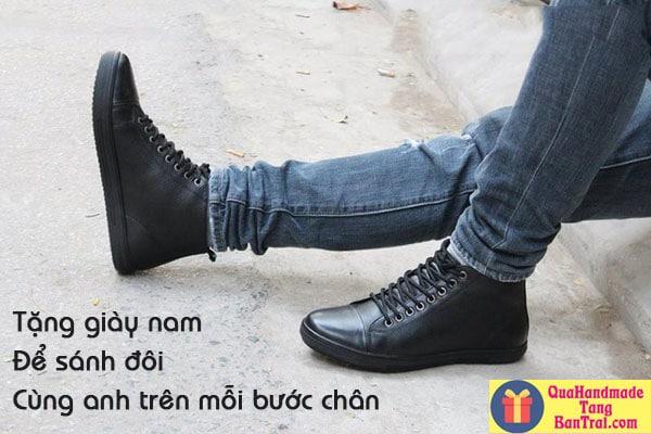 quà tặng bạn trai là giày nam