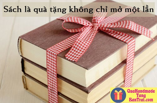 tặng sách cho bạn trai ở xa