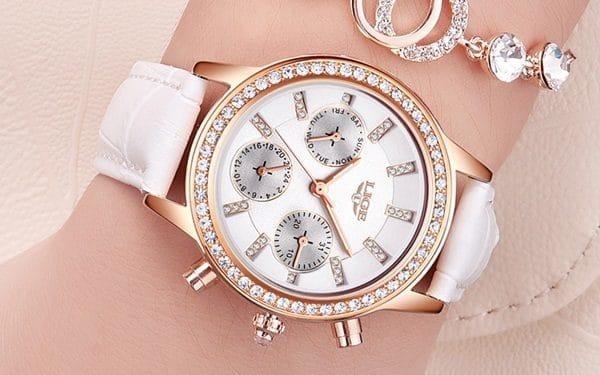 Tặng đồng hồ cho bạn gái có ý nghĩa gì